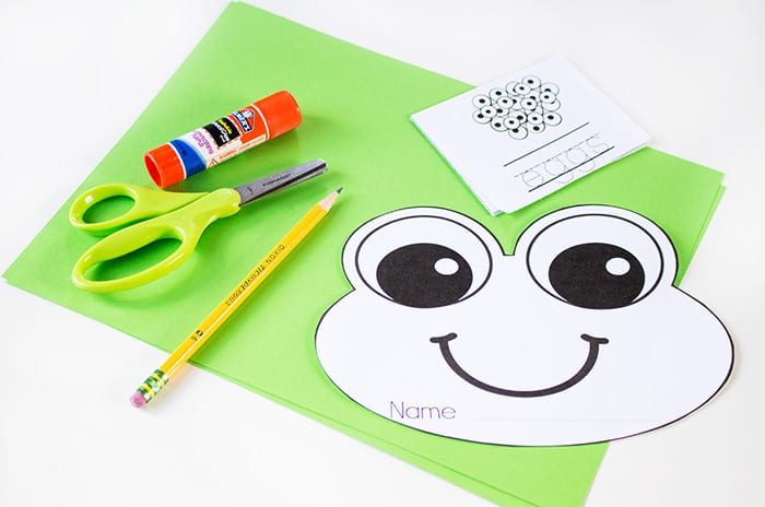 This free printable frog life cycle fold-up book is perfect for a spring life cycle unit! Kids can learn about the frog life cycle and practice their writing and fine-motor skills.