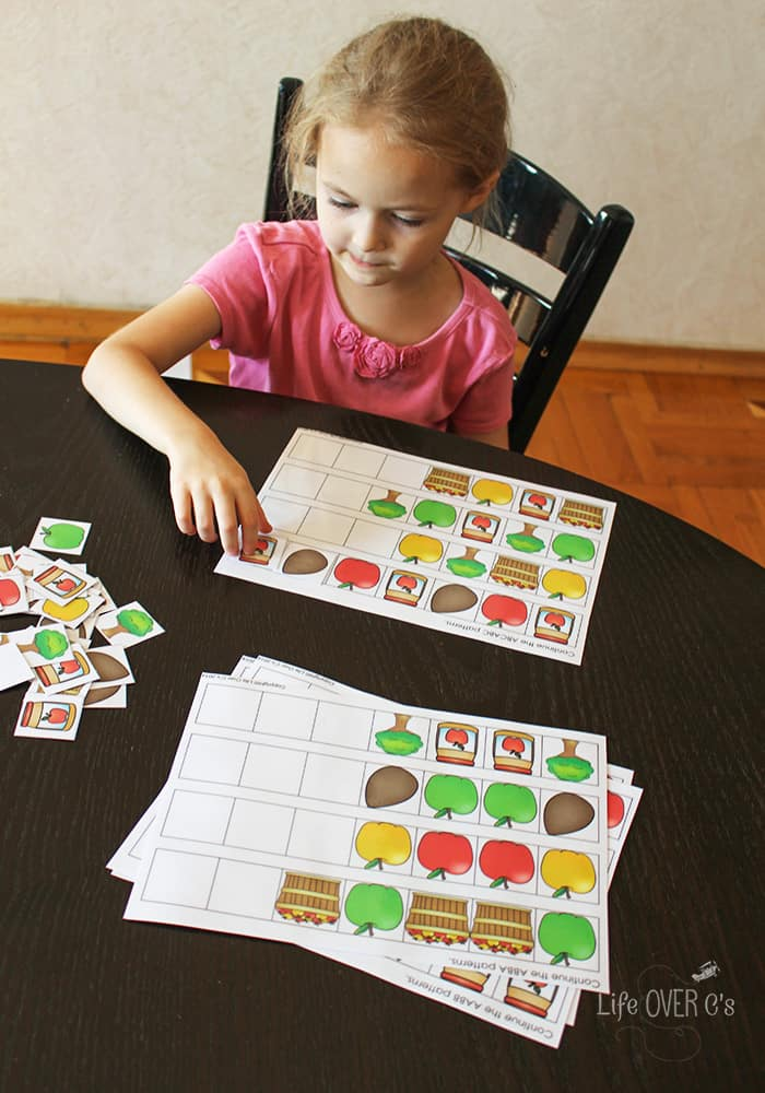 Build apple patterns, sort apple cards, count apples, and so much more!! This pack has so much!