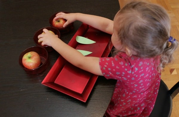 counting with apples preschool activity