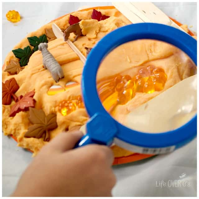 Explore your play dough in a new way by adding a magnifying glass. Check out the different textures and colors!