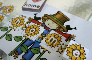 Free scarecrow word building activity for fall.
