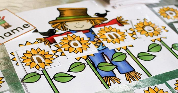 Scarecrow CVCE Words Building Mat