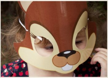 A fun squirrel mask takes a read the 'room' sight word scavenger hunt to a whole new level.