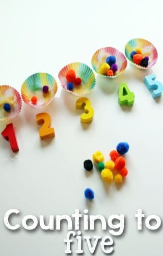 Practice counting to 5 with your preschooler using this hands-on math busy bag.
