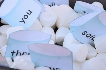 This marshmallow sight word free printable is great for learning to read in a multi-sensory environment.