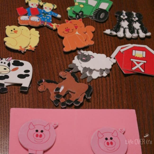 Create your own farm puzzles for preschoolers with these super cute stickers! Great for learning colors, practicing matching skills and names of animals!