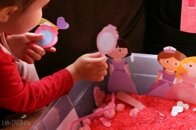 This free princess printable set is great for play dough, sensory bins or even on its own!
