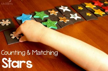 We had so much fun playing with the stars this week! These counting & matching star activities for preschoolers are so great!