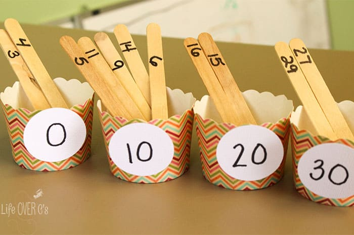 This math activity will give your kids lots of opportunities to practice rounding numbers!