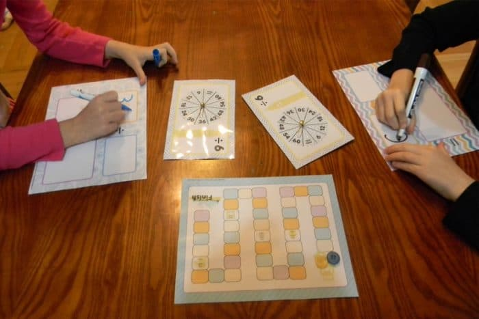 Building division facts fluency has never been so fun! This Division Fact Spin & Win! partner game is a great way to review math facts with your students!