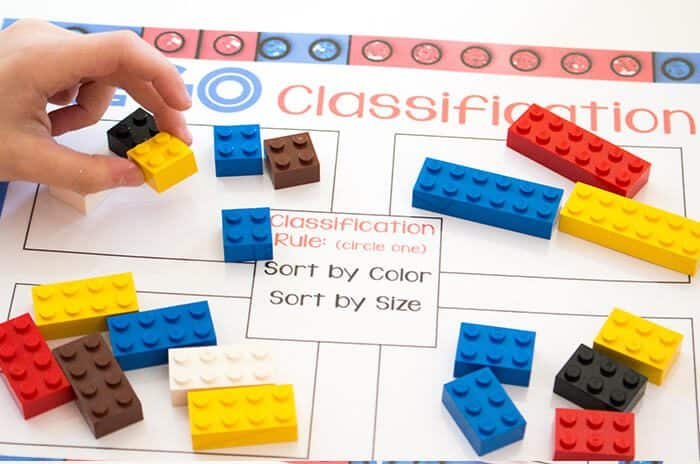 Free Printable LEGO Classification pages! Learn about Venn Diagrams and classifying by multiple characteristics with these simple LEGO printables.