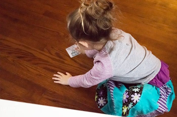 "This customizable name game is sure to be a favorite with your preschoolers! It's such a fun way to learn the letters of their names even before they know what letters are! (Plus ""falling"" on the ice is so fun!)"