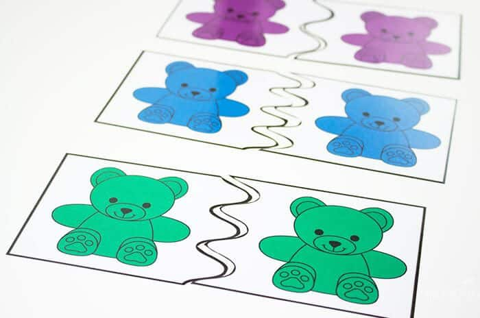 Rainbow bear matching puzzles for preschoolers.
