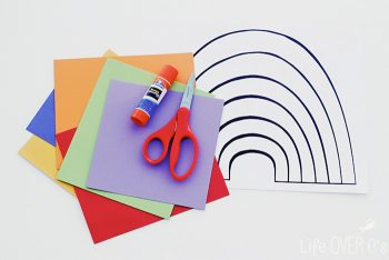 This rainbow craft for preschoolers is great for working on fine motor skills as the kids cut & paste their rainbow together!