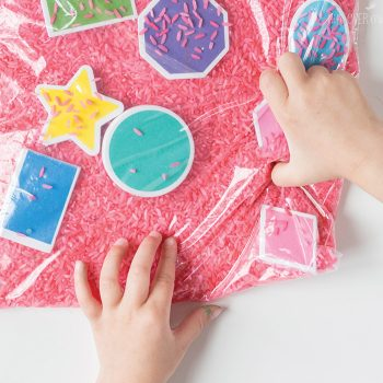 Let your kids explore shapes with this simple shape sensory bag for preschoolers. Trace the shapes, play I Spy, shake up the rice and start all over! A great shape activity for kids!