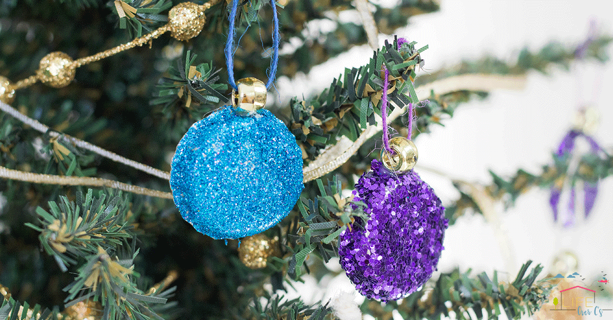 These beautiful Christmas ornaments are easy to make!