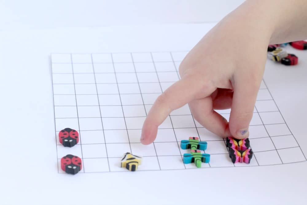 Make bar graphing and counting fun when you use mini erasers! Mini-eraser bar graphs are a fun way to introduce preschoolers to graphing and counting!