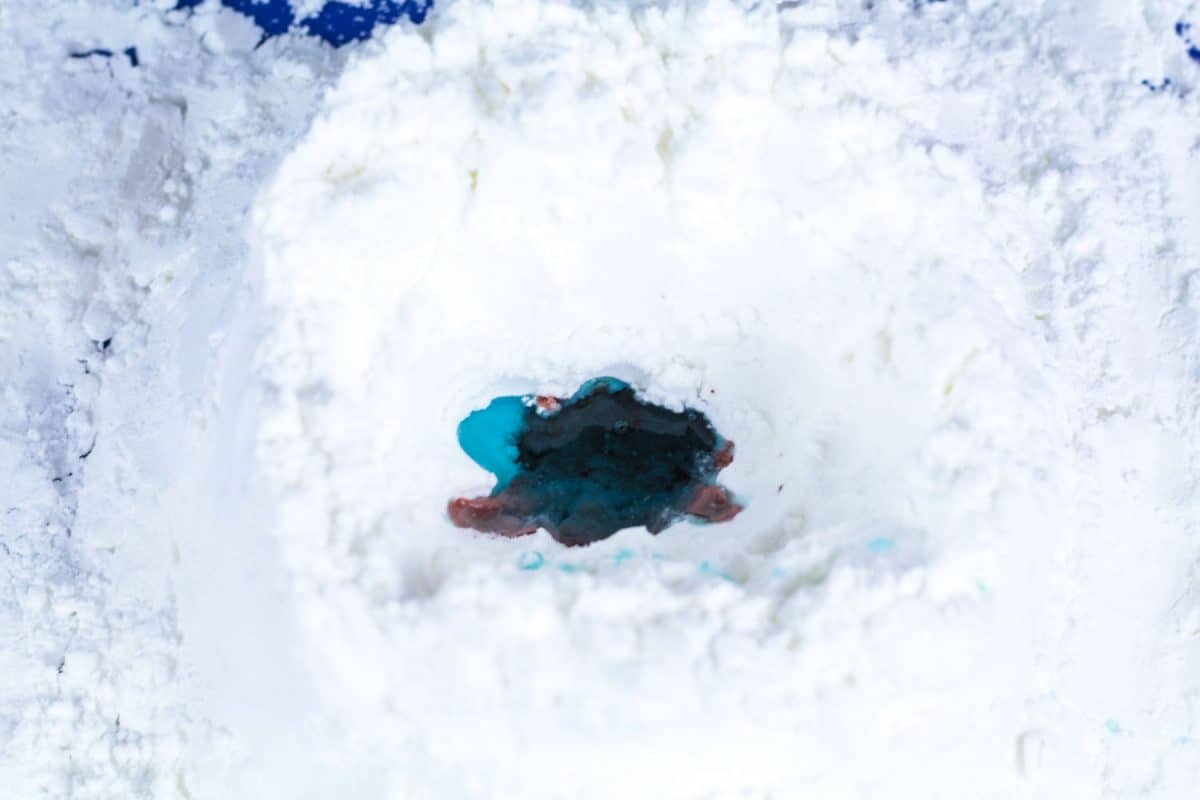 Little science lovers will have a blast making this snow volcano science experiment. Do it outdoors in the snow, or make your own snow!
