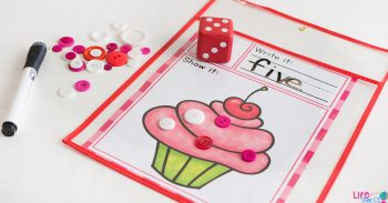 We love Valentine's Day! This simple free printable Valentine's Day roll and count math game for kindergarteners is perfect for February! Kids love rolling the dice, writing the numbers and counting the chocolates and cupcake sprinkles. #counting #kindergarten #valentinestheme