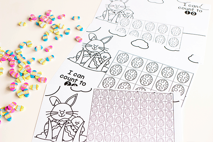 Free printable black and white Easter math game for kids. Easter counting grids for math.