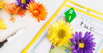 Count flowers this spring with this no prep math center. Roll and Count Math Activity for kindergarten.