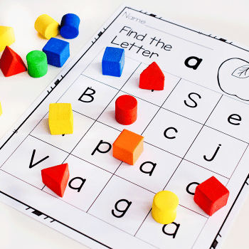 This free printable letter recognition activity for kindergarteners is great for differentiation.
