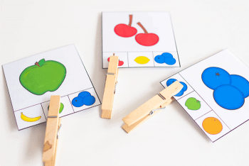 Fruit matching clip cards for preschool. Work on fine motor skills by attaching the clothespin to the correct answer on the card.