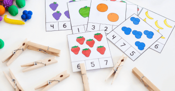 Fruit counting activities for preschool math centers. Count to 10 with puzzles and clip cards.