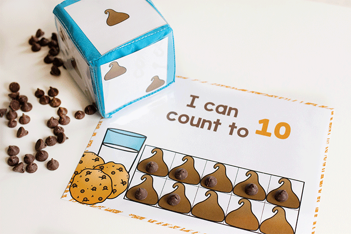 Free printable counting grids for preschool and kindergarten. Count to 10 in English and Spanish