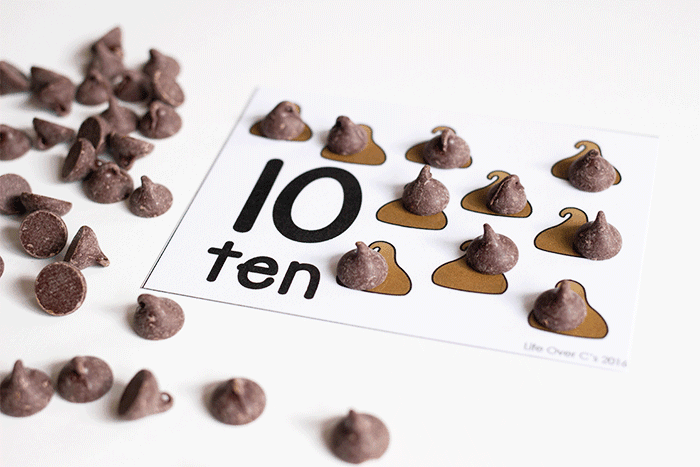 Free printable chocolate chip counting activity for preschoolers.