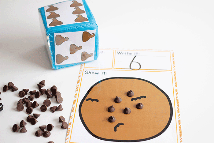 Count the chocolate chips and write the numbers with this engaging chocolate chip themed counting activity for preschoolers.