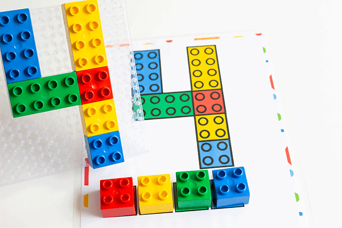 42 LEGO Crafts and Activities for Kids for Endless Fun featured by top US lifestyle blogger, Marcie in Mommyland: Number mats 1-10 for LEGO DUPLO blocks.