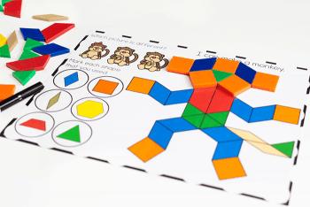 Free printable zoo animal pattern block mats for preschool and pre-k.