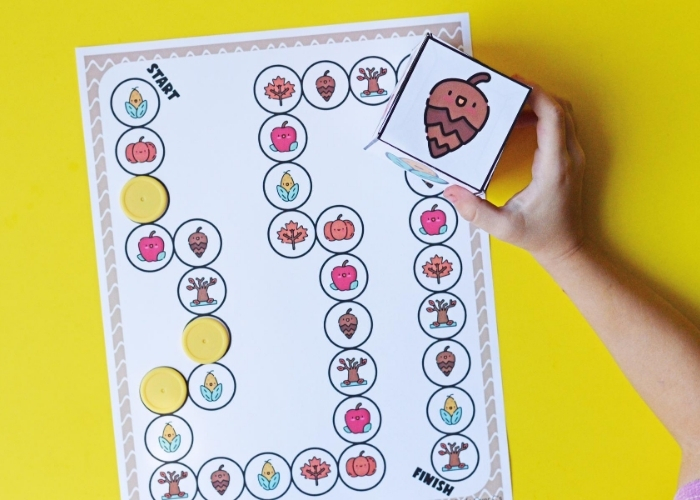 Printable fall board game for preschoolers.