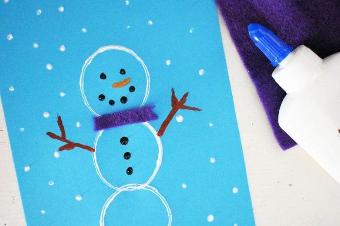 The finished Easy DIY Snowman Crafts for Kindergarten and Preschool.