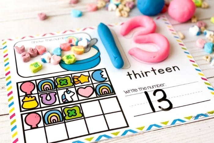 Play dough counting mat for the number thirteen.