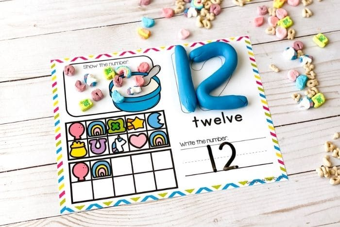 Marshmallow counting mat for the number 12.