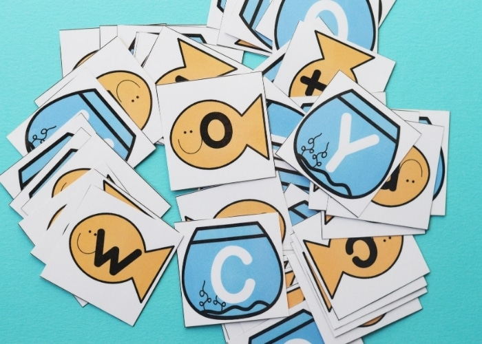 Pieces to a fishbowl matching game printable.